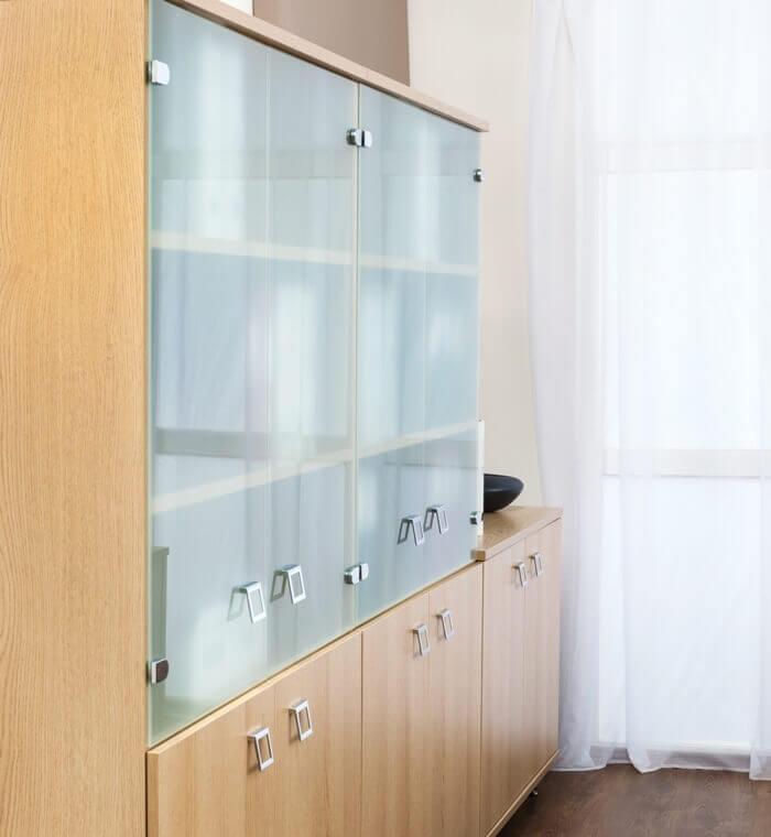 PEças para construir um estante-porta-de-vidro-leve